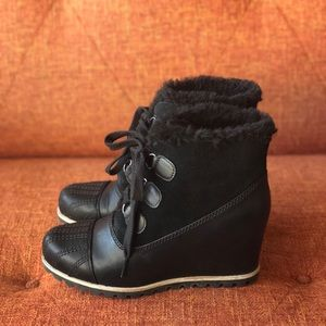 ugg alasdair wedge bootie black